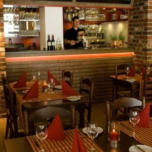 Restauranteinrichtung – Stühle & Tische Modell Ammerland