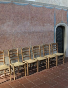 Kirchenstuhl_Kirche_2