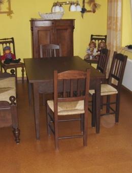 Garnitur hatten mit Bettbank_Die Bank wurde aus einem alten Bettgestell gefertigt.