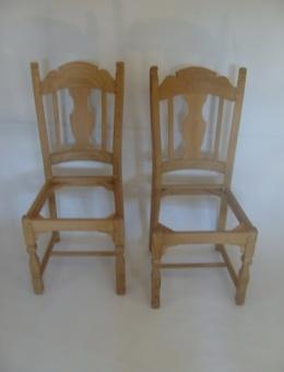 Nachbau von Stühlen nach Muster