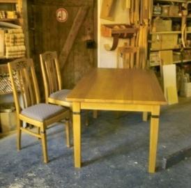 Tisch nach Kundenwunsch